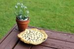 pie with flower